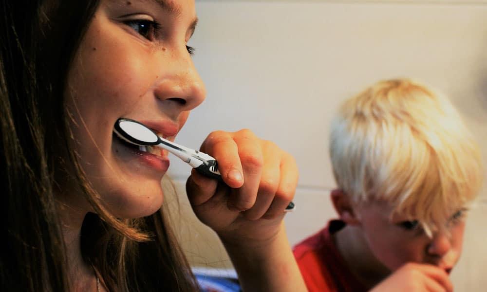 teeth shrink brush teeth